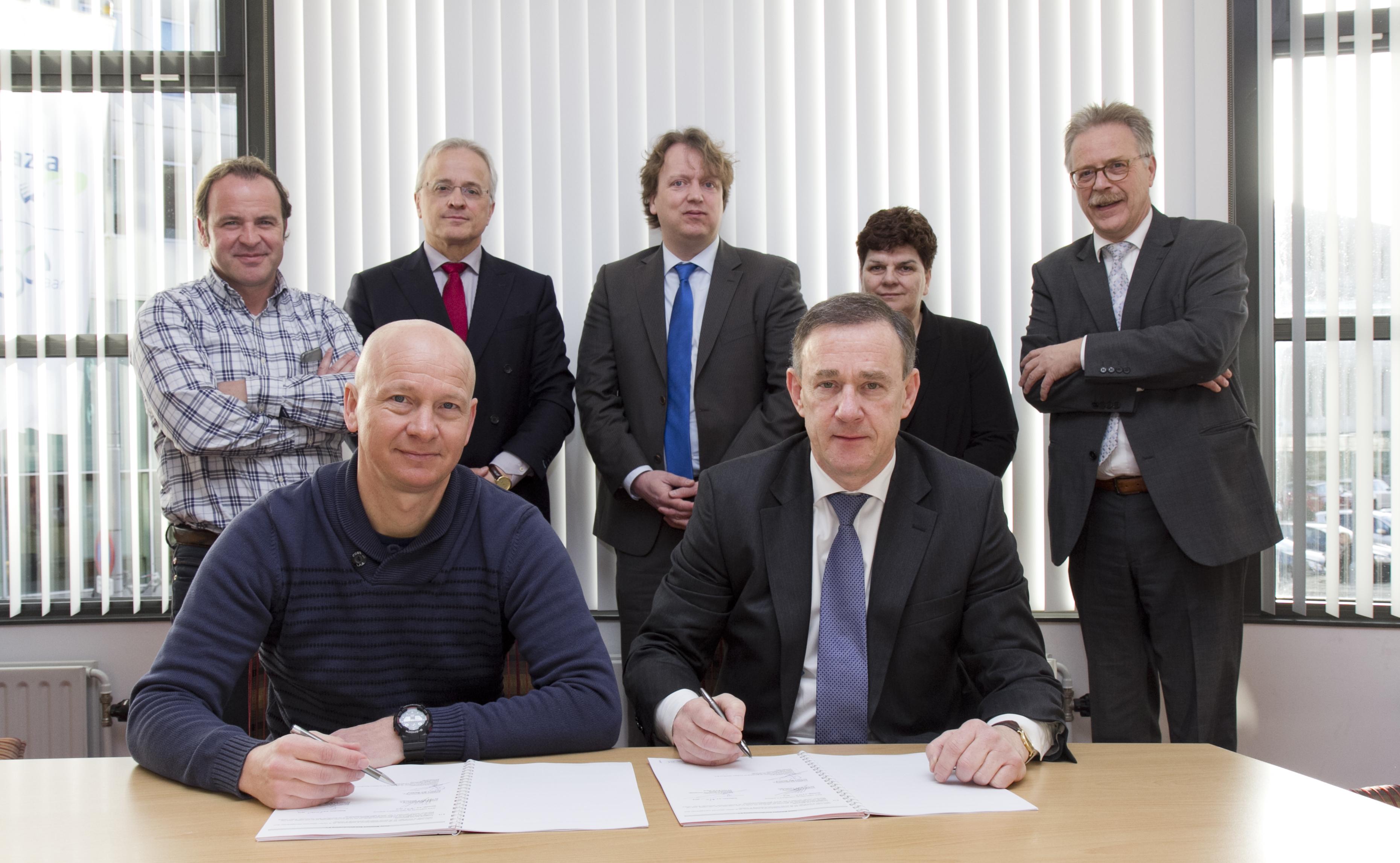 Ondertekenening huurcontract Ikazia Ziekenhuis en Ambition Sportburo